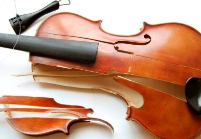 Broken-Violin