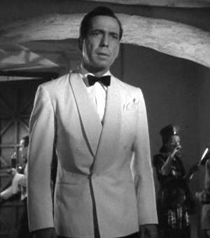 CASABLANCA_REVIEW_SCREENSHOT_KID_IN_THE_FRONT_ROW